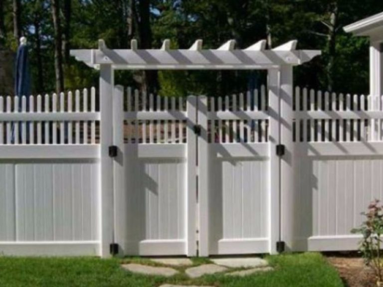 PVC Fence with Pergola trim