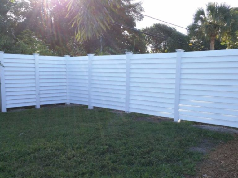 upvc maintenance free post and rail fence